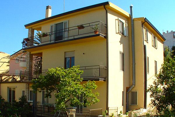 Appartamenti santa maria navarrese sardegna ogliastra for Appartamenti sardegna